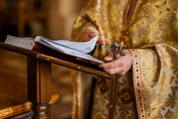 Лишайтеся вдома! Розклад онлайн богослужінь на Рівненщині