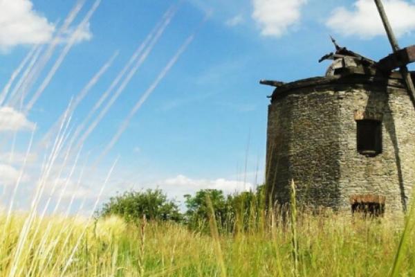 Триває збір коштів на облаштування будинку для сільського коворкінгу на Рівненщині