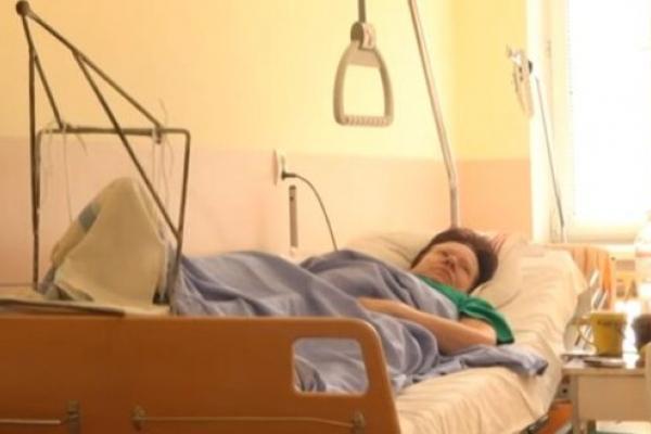 Бив та душив: у Рівному злочинець напав по черзі на двох самотніх жінок (Відео)
