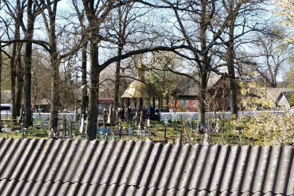 На Здолбунівщині віряни московського патріархату зібрались на могилі Леонтія Грицана