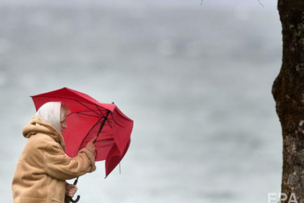 На Рівненщині оголошено штормове попередження