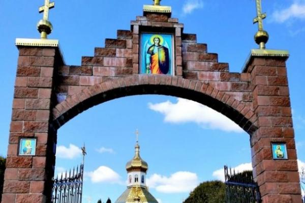 У селі Зоря Рівненського району з коронавірусом зліг церковний хор після поїздки в Почаївську лавру