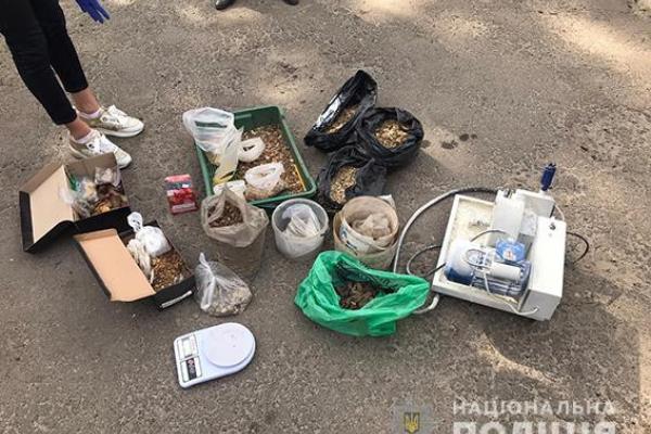 Правоохоронці обшукали володимирецьких бурштинокопачів (ФОТО)