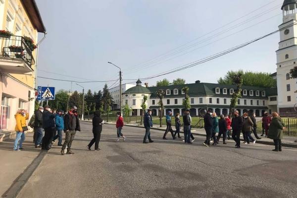 Як у Києві: у містечку на Рівненщині підприємці влаштували протест (Відео)