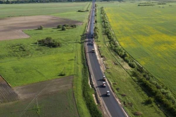 Велике будівництво: як на Рівненщині відновлюють дорогу державного значення