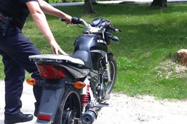 На Рівненщині мотоцикліст порушив ПДР за вісьмома статтями адмінкодексу