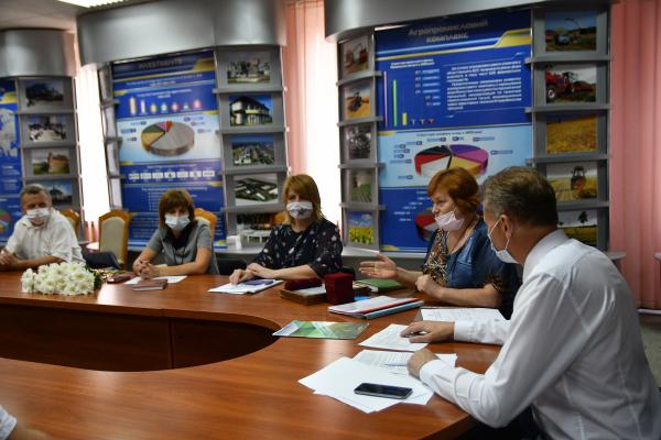 На Рівненщині відзначили п'ятірку найкращих фермерів