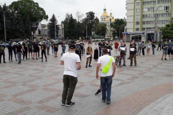 «200 днів брехні»: у Рівному відбулася акція протесту