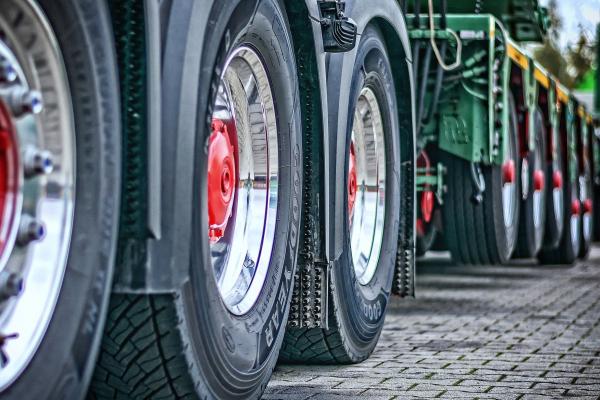 На Рівненщині ретельніше контролюватимуть пересування вантажівок