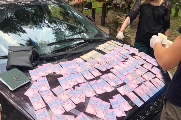 На Рівненщині посадовець однієї з ОТГ вимагав 20 тисяч гривень (ФОТО)