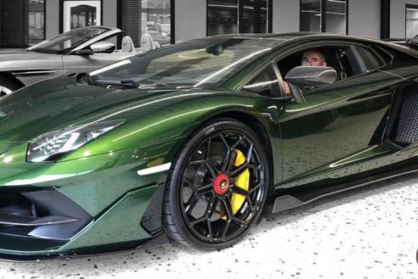 Екскандидат від «Слуги народу» має автопарк, але каже, що не купував Lamborghini