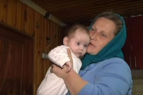 Найбагатодітніша мама України, жителька Рівненщини, розповіла про своїх 19 дітей