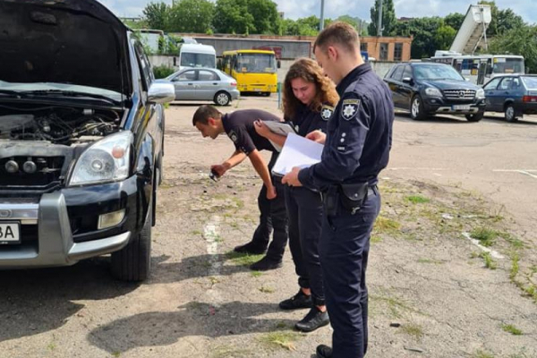 У депутата Рівненської міської ради ледь не вкрали автівку (ФОТО)