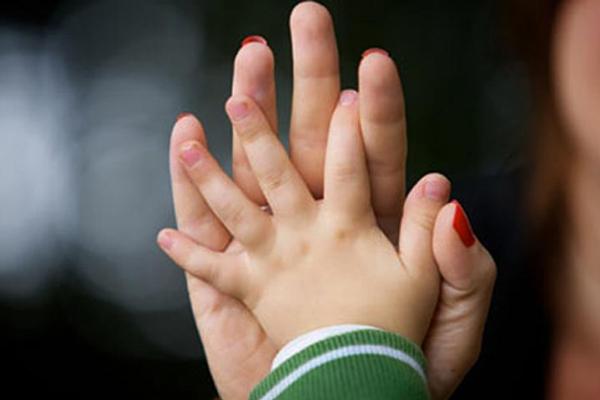 Допомога на дітей одиноким матерям призначатиметься за новими умовами
