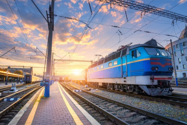 Наприкінці цього місяця на Рівненщині відновлять свій рух ще два поїзди