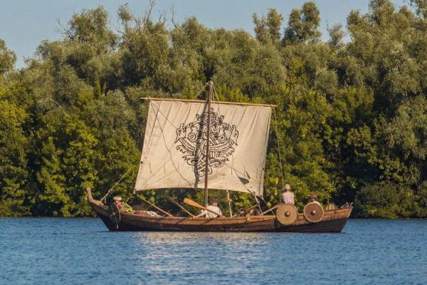 Рівному подарували човен «Фрея» з Херсону