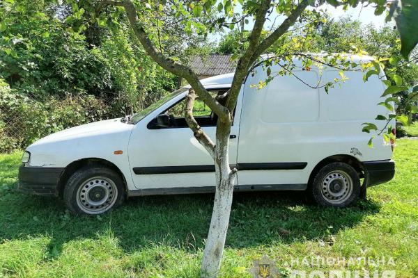 Просто хотів послухати музику, - житель Гощанщини викрав автівку (ФОТО)
