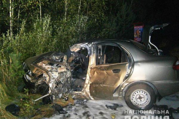 На Рівненщині ДТП: вантажівка «злетіла» в кювет орієнтовно на 40 метрів від дороги (ФОТО)