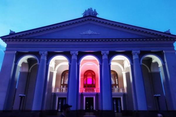 Колектив Рівненського драмтеатру висловив підтримку білорусам (ФОТО)