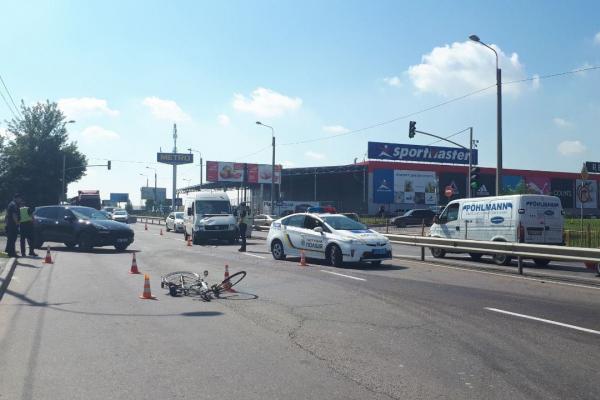 У Рівному в ДТП на вулиці Макарова загинув велосипедист