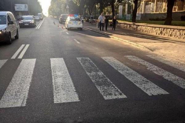 У Рівному «Джип» збив хлопчика, який переходив дорогу по пішохідному переході (Фото)