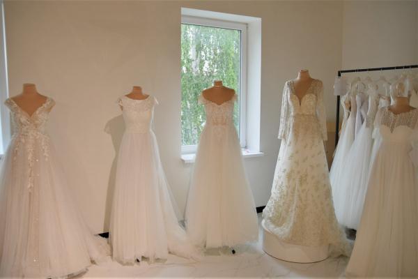 Рівненські підприємці шиють вбрання для наречених всього світу