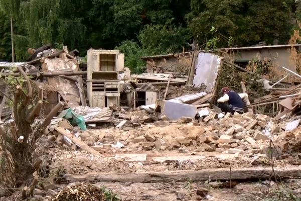 Один із найстаріших будинків Рівного перевезуть у Радивилів (ВІДЕО)