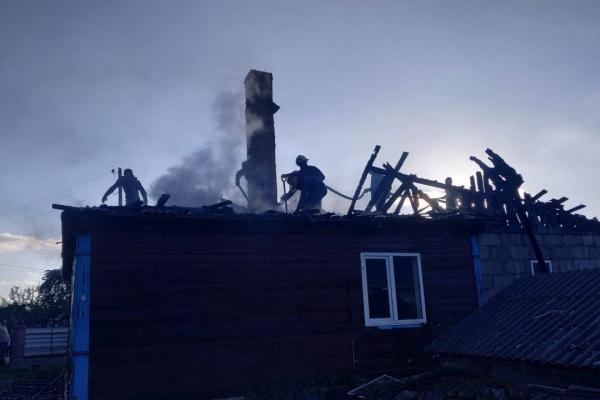 Володимирецькі рятувальники ліквідували пожежу у житловому будинку