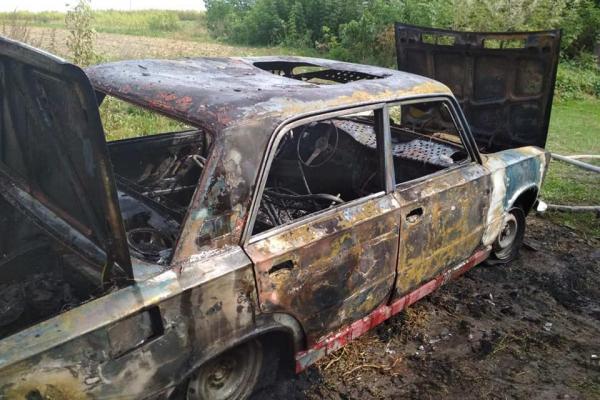На Радивилівщині згоріла автівка