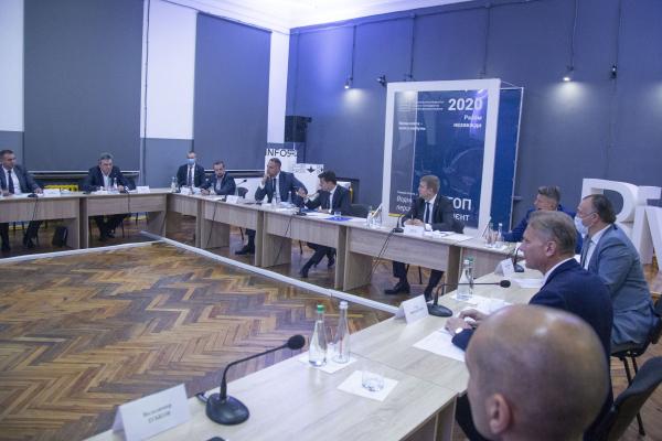 Голова Рівненської ОДА підняв питання очищення Усті та озера Басів Кут