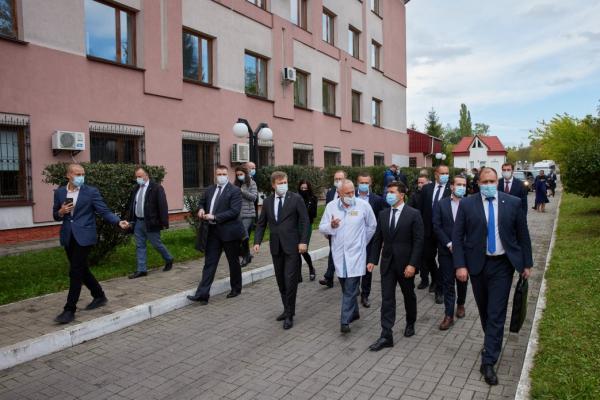 Рівненський онкоцентр добудують за державні кошти: у Рівненській ОДА заручилися підтримкою Президента