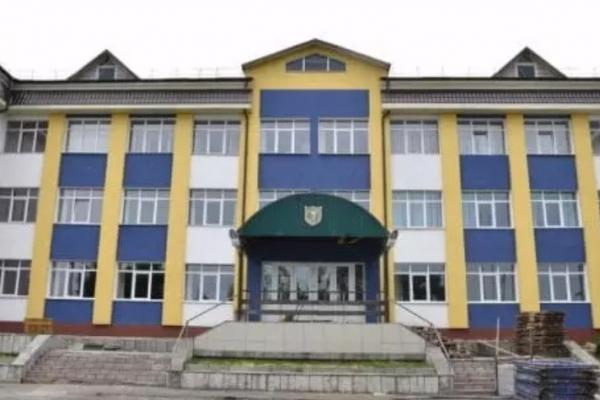 У Дубровицькому НВК «Ліцей-школа» батьки школярів скаржаться на погане харчування (ВІДЕО)