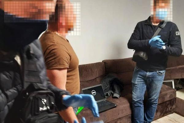 У Рівному «накрили» злочинців, які займалися виготовленням фальшивих документів