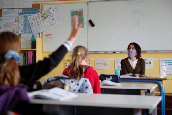 З понеділка рівненські школярі знову підуть на навчання