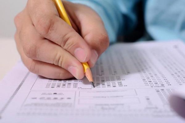 Українські випускники мають можливість повернути гроші за скасоване пробне ЗНО до 1 грудня