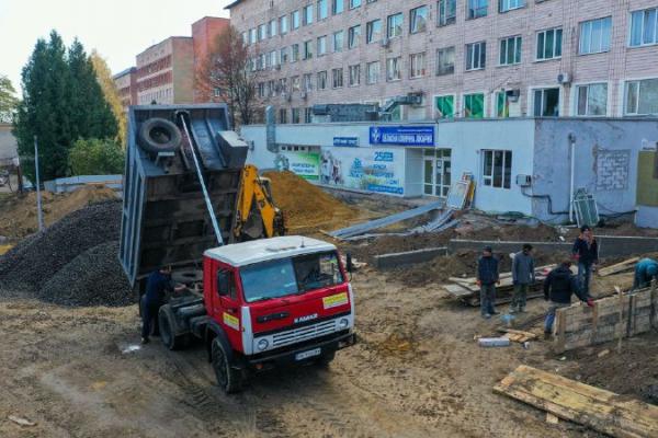 У Рівненській обласній лікарні розпочалася масштабна реконструкція приймального відділення