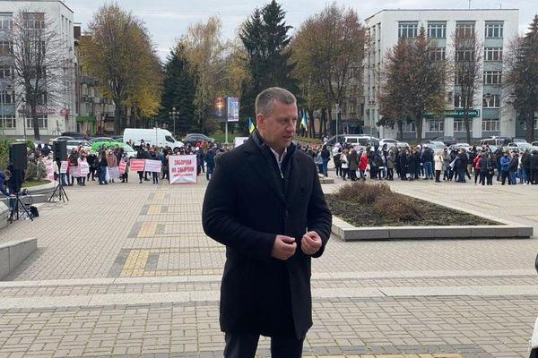 Віктор Шакирзян вимагає від Хомка не запроваджувати карантин вихідного дня