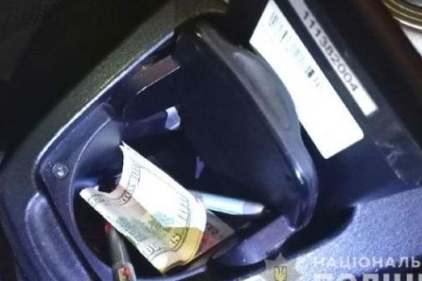 100 доларів хабара: у Вараші водій напідпитку вчинив ДТП та намагався відкупитися
