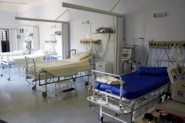 На Рівненщині залишилося всього 700 ліжко-місць для хворих коронавірусною хворобою