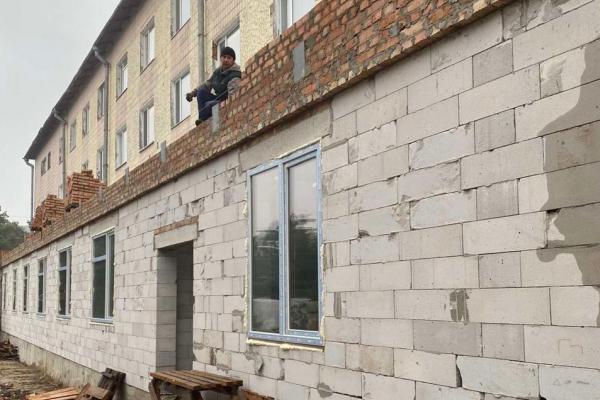 У Сарнах модернізують приймальне відділення ЦРЛ