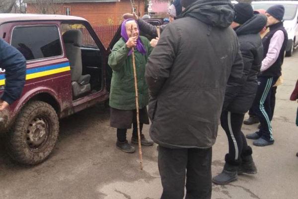 На Володимиреччині правоохоронці розшукали зниклу безвісти бабусю