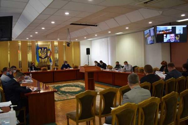 На Рівненщині депутати розподілили субвенції, за допомогою яких розрахуються з місцевими ТВК