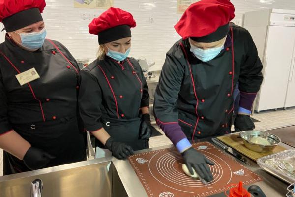 Навчально-практичний центр для підготовки професійних кухарів відкрили на Рівненщині