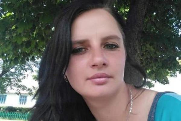 На Рівненщині розшукують молоду жінку, яка зникла з немовлям
