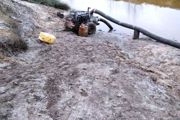 На Дубровиччині вилучили мотопомпу кустарного виробництва (ФОТО)