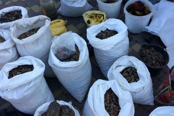 Правоохоронці торік вилучили майже три тонни бурштину на Рівненщині