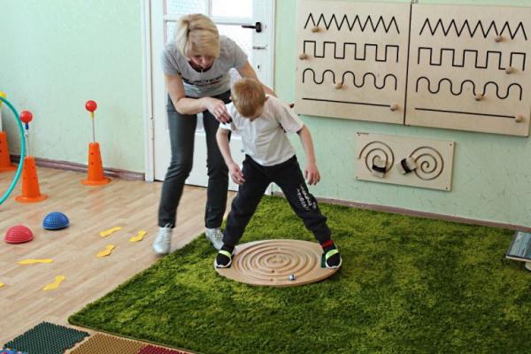 У Рівному реабілітацію дітей з інвалідністю проводять за новим принципом