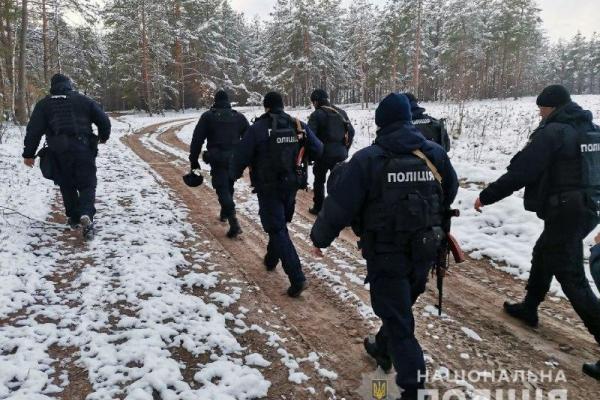 На Рівненщині вилучено 20 мотопомп та викрито 25 старателів на «клондайках» (ФОТО)