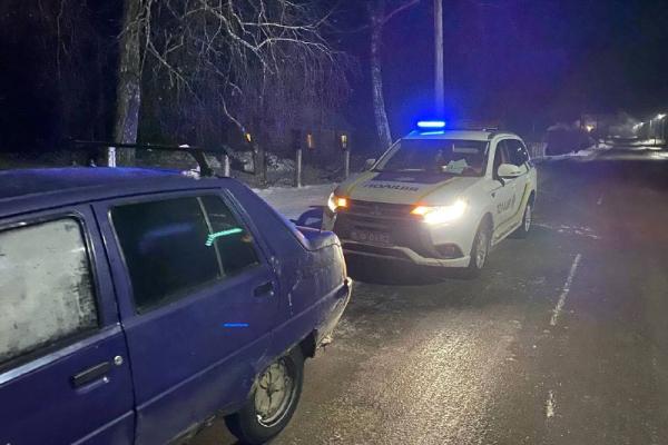 У селі Дядьковичі водій авто намагався дати хабара працівникам поліції