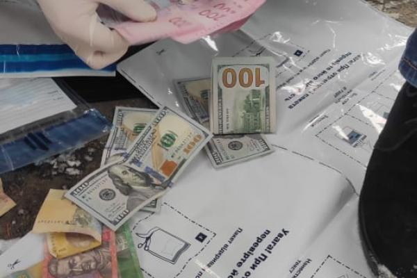 На Рівненщині посадовець вимагав щотижневу плату за безперешкодну торгівлю тваринами